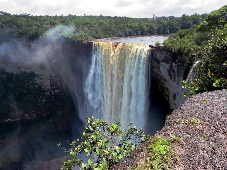Kaieteur Falls, a 738 ft (225 m) single-drop waterfall in Guyana. Kaieteur Falls by David Stanley, CC BY 2.0.