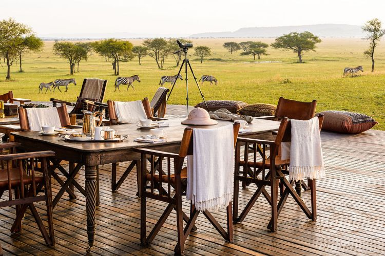 According to the Jouberts, ecotourism can be a strong alternative to trophy hunting. Singita Sabora Tented Camp by Jessica138. CC BY-SA 4.0