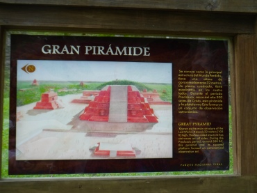 A sign containing useful information about Tikal's Great Pyramid.